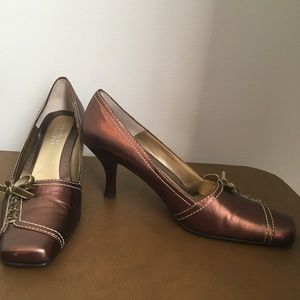 Franco Sarto bronze square toed pumps size 8